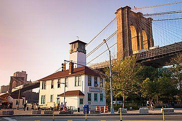 Vista da Dumbo, del ponte di Brooklyn.