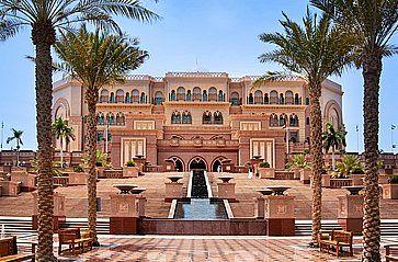 Emirates Palace ad Abu Dhabi.
