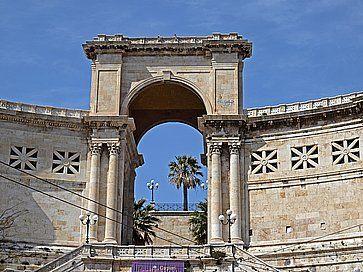 Il Bastione Saint Remy a Cagliari, nel quartiere Castello.