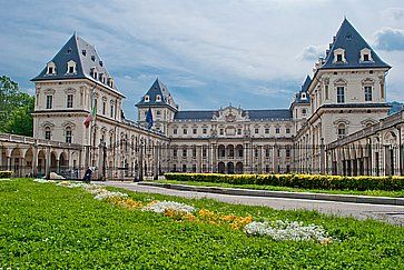 L'esterno del Castello del Valentino a Torino.