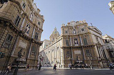 La Piazza Quattro Canti a Palermo.