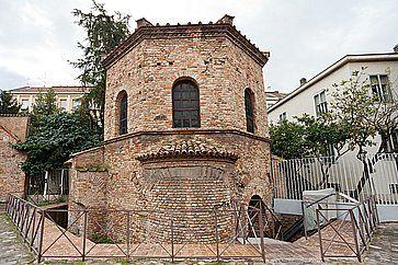Antico Battistero degli Ariani a Ravenna.