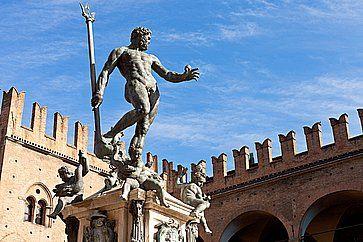 Statua di Nettuno in Piazza Nettuno a Bologna.