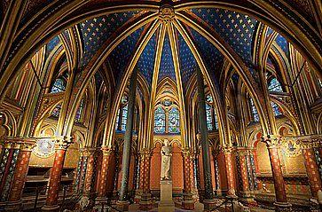 Interno della chiesa Sainte-Chapelle.