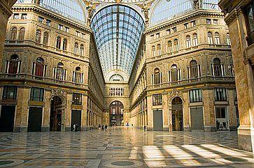 Galleria Umberto I a Napoli.
