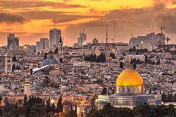 La città vecchia di Gerusalemme al tramonto, dal Monte degli Ulivi.