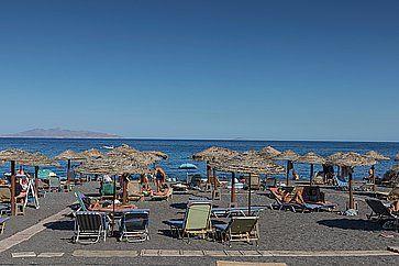 Spiaggia di Kamari a Santorini.