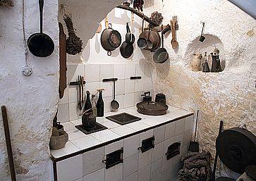 Antica cucina all'interno di Casa Grotta di Vico Solitario, a Matera.