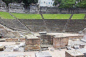 Rovine dell'antico anfiteatro romano di Trieste.