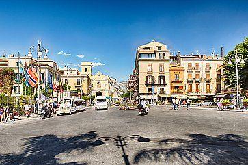 Piazza Tasso, la piazza principale di Sorrento.