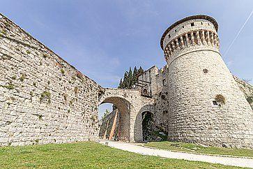 Storico castello medievale a Brescia.