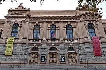 Il teatro Donizetti di Bergamo.
