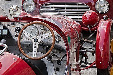 Dettaglio di un'auto d'epoca alla Mille Miglia.
