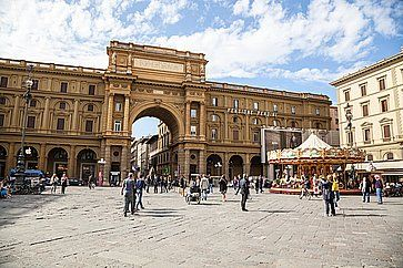 Arco in Piazza della Repubblica a Firenze.
