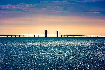Il ponte Oresund Bridge che attraversa lo Stretto di Oresund, collegando Copenhagen a Malmo.