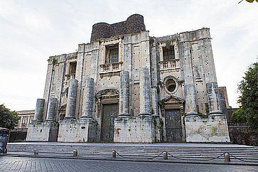 Il Monastero dei Benedettini di San Nicolò l'Arena a Catania.