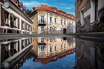 """Vecchi edifici nella """"repubblica di Uzupis"""", a Vilnius."""