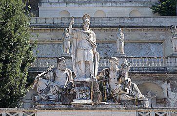 Statua sulla terrazza del Pincio.
