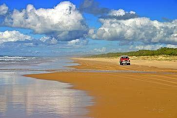 Fraser Island, in Australia: la più grande isola di sabbia del mondo.
