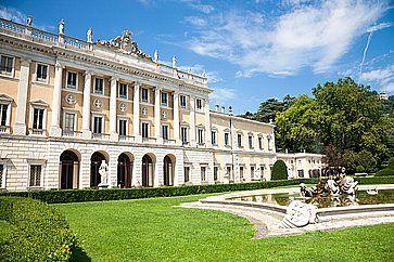 Il museo di Villa Olmo e i giardini, a Como.