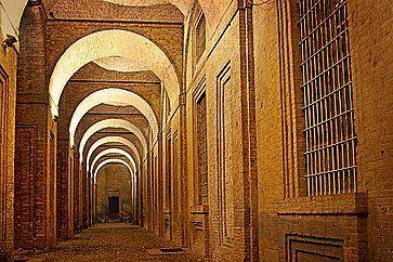 I portici del Palazzo della Pilotta a Parma.