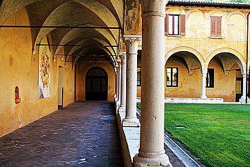 Chiostro rinascimentale al Museo di Santa Giulia a Brescia.
