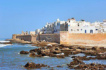 Case bianche e fortezza ad Essaouira.