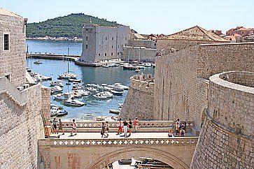 Vista delle mura di Dubrovnik.
