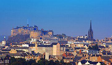Lo skyline di Edimburgo visto da Salisbury Crags.