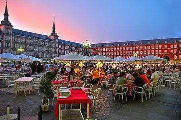 La Plaza Mayor di Madrid.