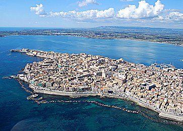 Una vista panoramica dell'isola di Ortigia a Siracusa.