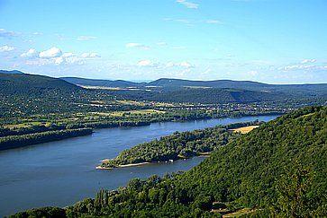 Il Danubio, visto ista dalla collina di Visegrad, in Ungheria.