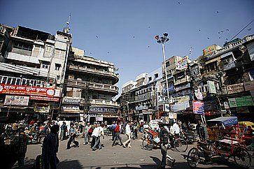 Centro del vecchio mercato, nel quartiere Chandni Chowk, a Delhi.