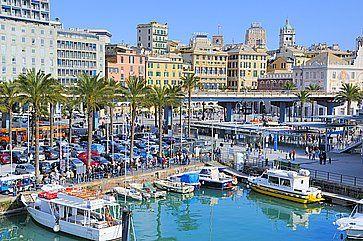 Porto vecchio di Genova e zona lungomare.