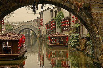 Leggendari ponti a Suzhou, vicino a Shanghai.