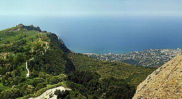 Vista del Monte Epomeo ad Ischia.