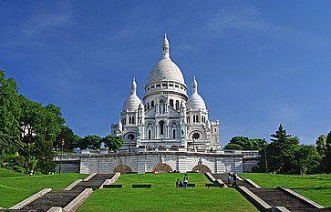 La famosa basilica del Sacro Cuore a Montmartre.