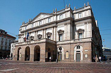 Il Teatro alla La Scala a Milano.