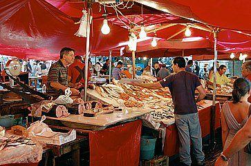 La Pescheria di Catania, il grande mercato del pesce.