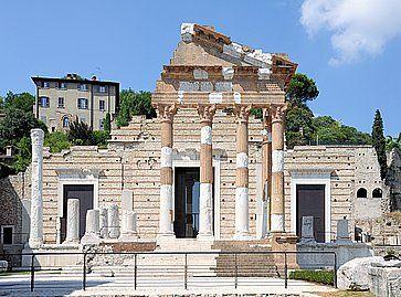 Rovine del Tempio Capitolino a Brescia.