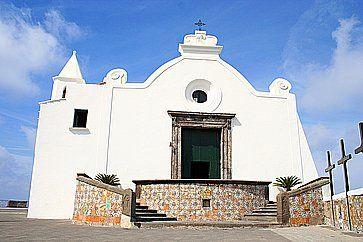La Chiesa di Santa Maria del Soccorso ad Ischia.