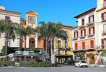 Piazza Tasso nel centro di Sorrento.