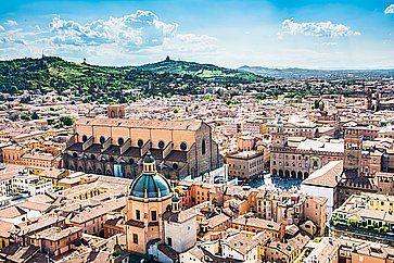 Panorama di Bologna vista dalla torre degli Asinelli.