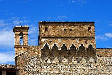 Dettaglio di Porta San Giovanni a San Gimignano.