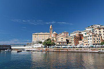 Bel panorama vicino a Genova.