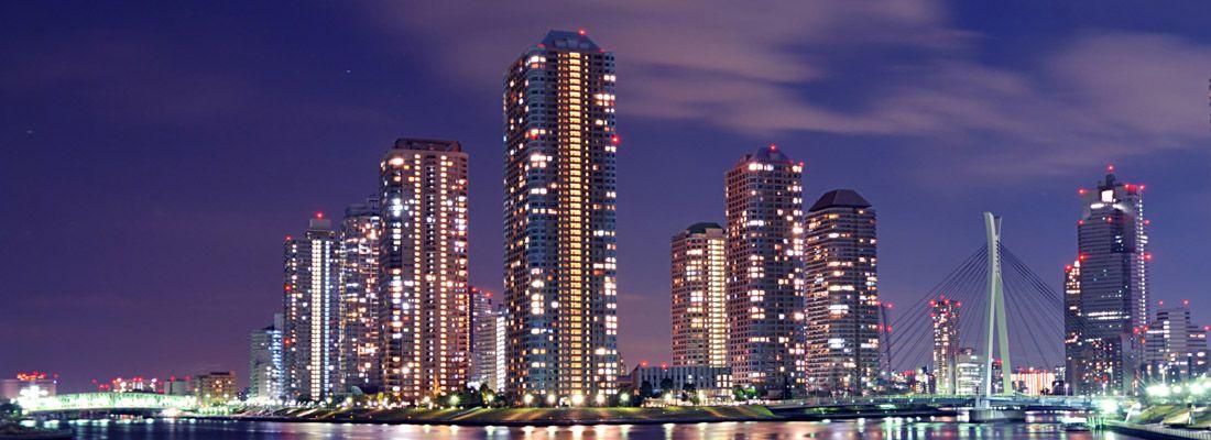 Il quartiere di Tsukishima, la sera.