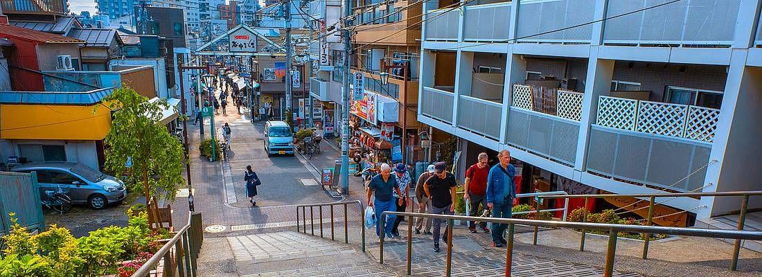 Iconiche scale nella zona di Yanaka Ginza.