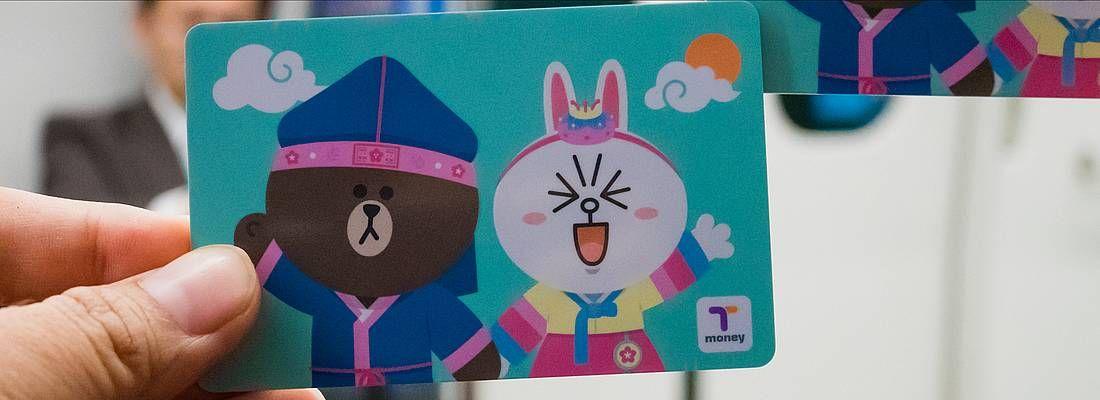 La carta T-Money, per spostarsi a Seoul, con disegnati i personaggi di Line.