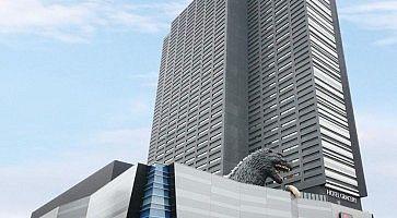 L'hotel Gracery Shinjuku, e la riproduzione di Godzilla.