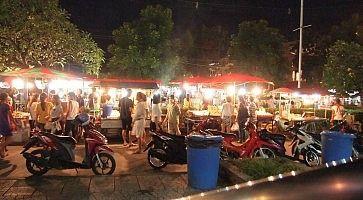 Il mercato notturno di Phuket.